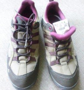 Туристические кроссовки р-р 38-39