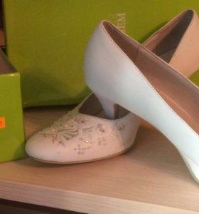 Свадебные туфли 39 р-р