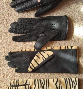 Перчатки 2 пары.