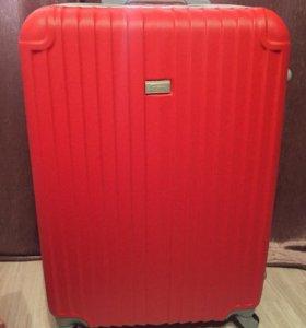 Новый большой чемодан