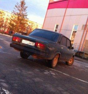 Автомобиль 2105
