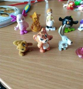 Киндеры игрушки 25 штук каждая по 30 руб
