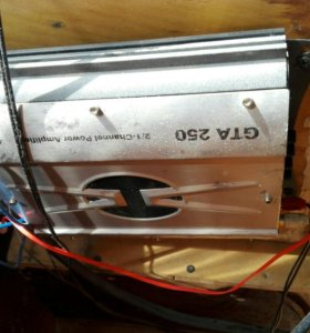 Сабвуфер + магнитола + усилитель GTA 250 + колонки