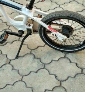 Детский велосипед Мерседес Бенц