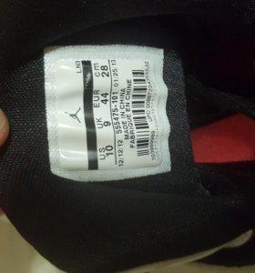 Продам оригинальные баскетбольные кроссовки Jordan