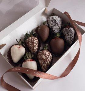Ягоды в нежном шоколаде.