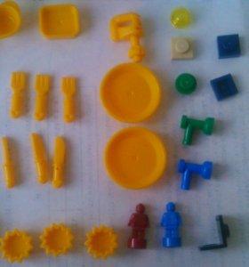 """Лего набор """"теория большого взрыва""""(собранный)"""