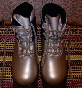 Лыжные ботинки - 38 размер