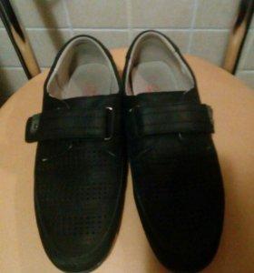Школьная обувь.для мальчика. 38 р.