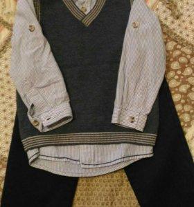Рубашки жилетка брюки свитер