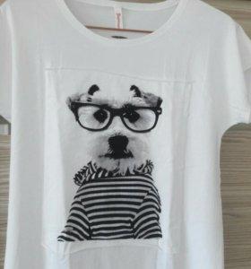 Женская футболка.