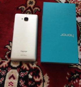 Продам отличный смартфон Хуавэй Hohner 5c