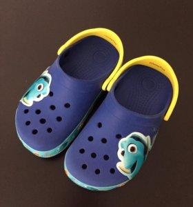 Crocs новые размер 29