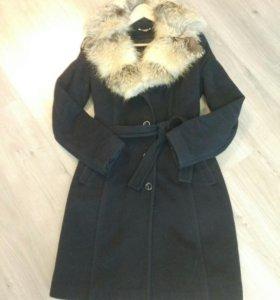 Пальто . Зимнее