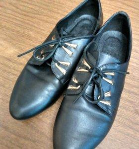Ботинки женские 38р-р