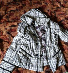 Куртка на синтепоне,белая в клетку.