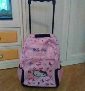 Рюкзак на колесиках в школу
