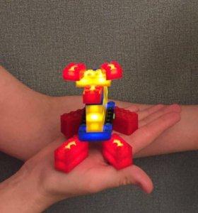 Лего игрушка