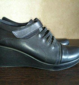 НОВЫЕ Кожаные ботинки (туфли)