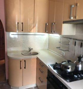 Кухонный гарнитур Б/у, мдф эмаль