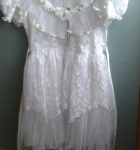 Детское белое платье + игрушка в подарок