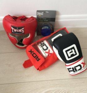 Боксерский шлем, перчатки и бинты - ВСЕ НОВОЕ!!!