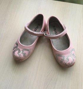 Туфли для девочки р 28