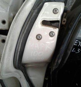 Продам дверь задняя левая Тойота марк2 GX10# JZX10