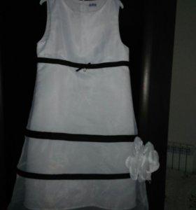 Платье на девочку р.140 Gulliver