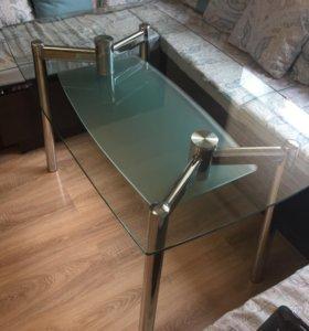 Стеклянный кухонный стол бу