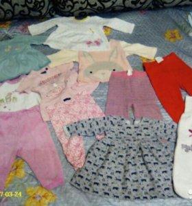 Пакет одежды на девочку.