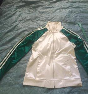 Курточка спортивная женская