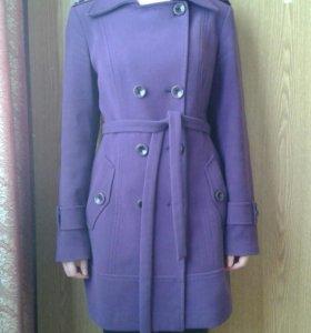 Пальто ярко  фиолетовое