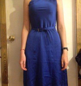 Синее шелковое платье с ремешком