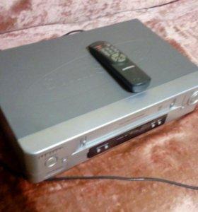 Видеомагнитофон Самсунг SVR-165
