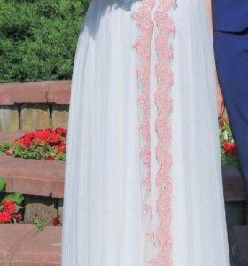 Платье вечернее или свадебное.