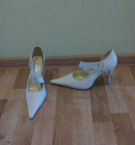 Туфли (женские)