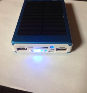 Переносная зарядка для телефонов с солнечной батар
