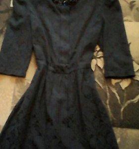 Платье красивое очень новое