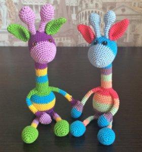 Жирафик игрушка вязаная
