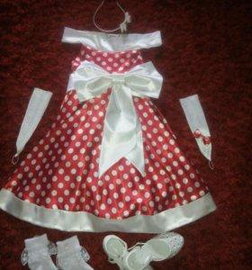 Платье нарядное, на рост 128-130, туфли р 31