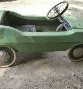 Педальная машинка Радуга