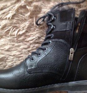 Новые зимние ботинки 42 размер
