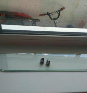 Полка стеклянная ikea с креплением.