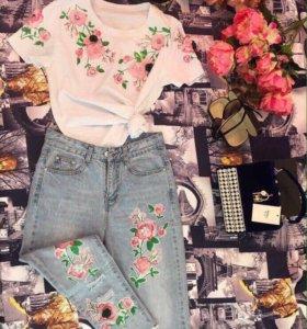 Красивый костюм женский джинсы и футболка