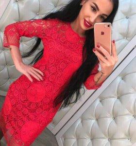 Новое кружевное женское красное платье