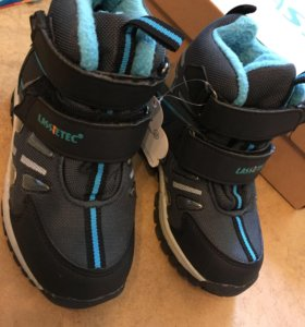Новые ботинки Lassie