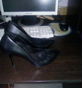 Туфли классика на шпильке