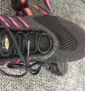 Беговые кроссовки женские adidas