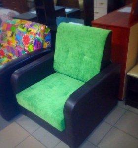 Кресло и пуфики.